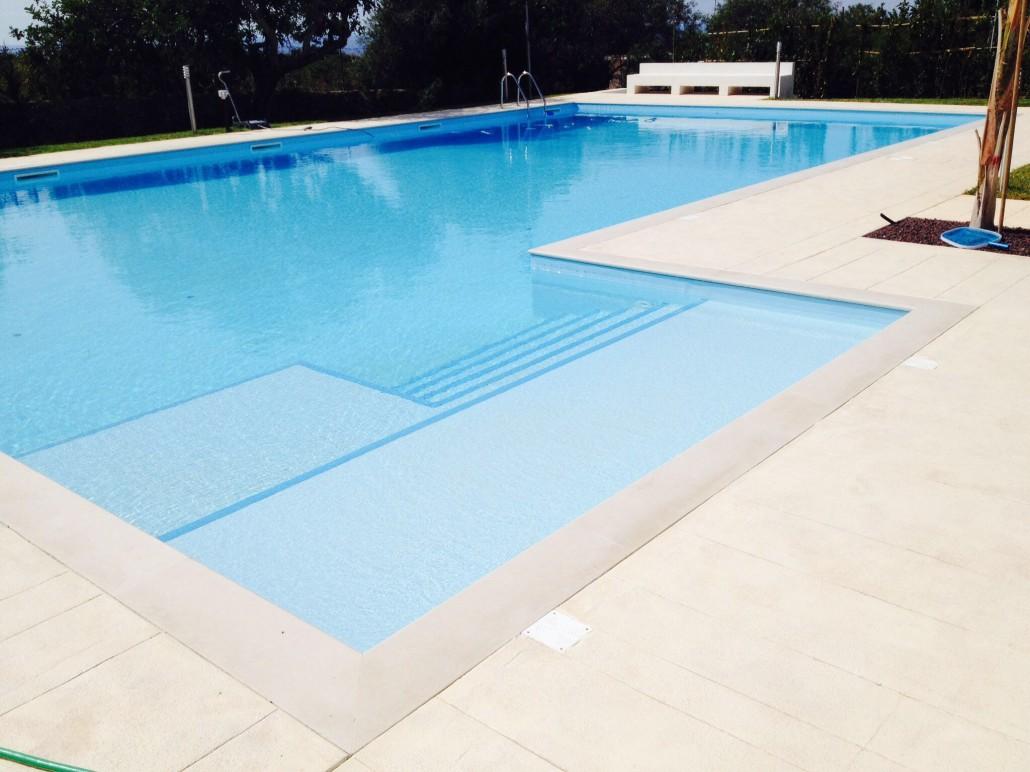 Bordo piscina in pietra