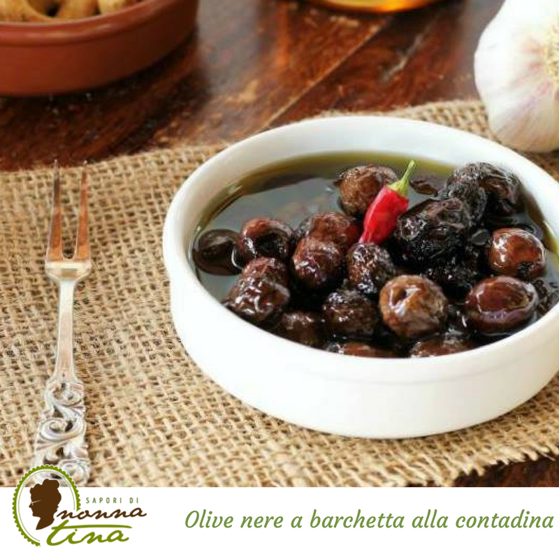 Olive nere a barchetta alla contadina